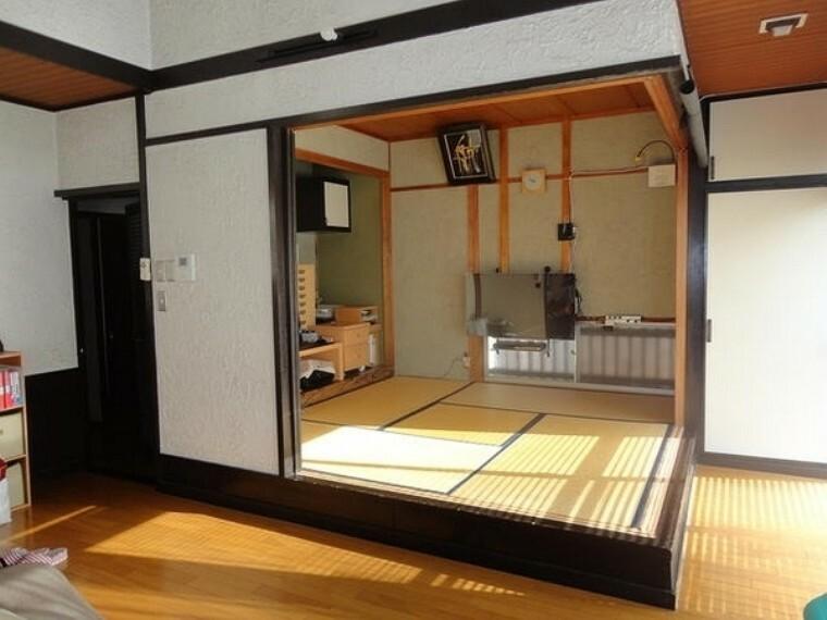 和室 南面LDK+隣接和室、間仕切りを開放すれば計21.5畳のおもてなしスペースに