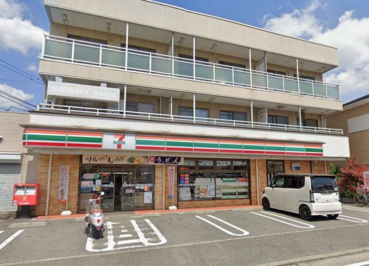 コンビニ セブンイレブン鎌倉岩瀬北店