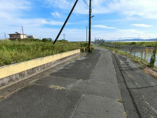 現況写真 西側幅員約6mの前面道路です。