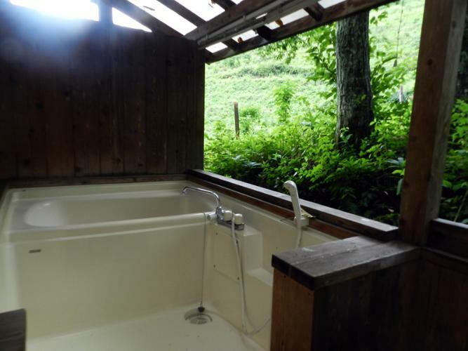 浴室 南西側デッキ奥にある浴槽(2017年8月撮影)