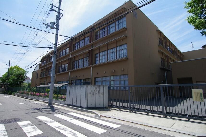 小学校 【小学校】尼崎市立杭瀬小学校まで307m