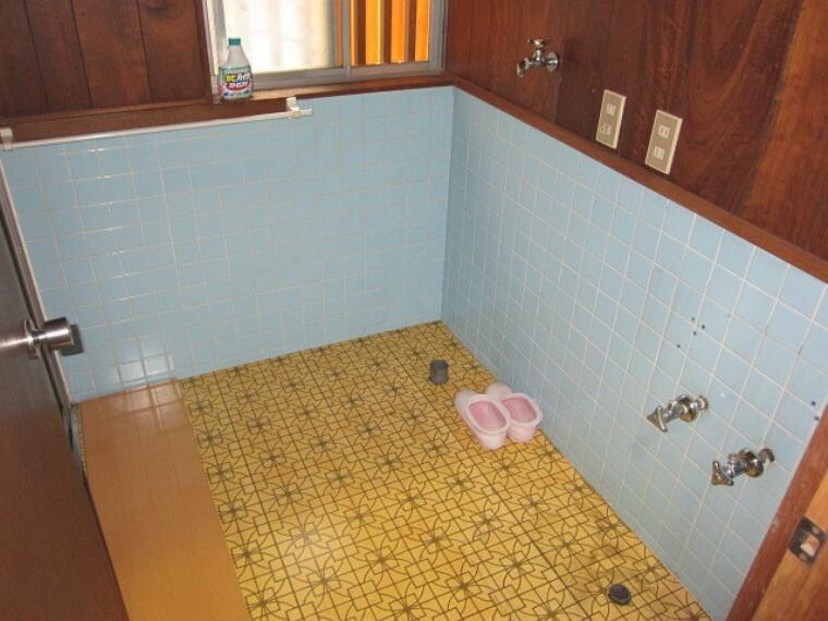 洗面化粧台 ハウスドゥ!一宮中央店のスタッフがリフォームのご提案もさせていただきます