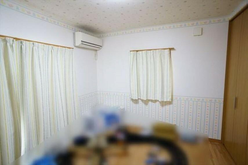 洋室 2階洋室は全室6帖以上、2面採光、収納付き(2019年3月撮影)