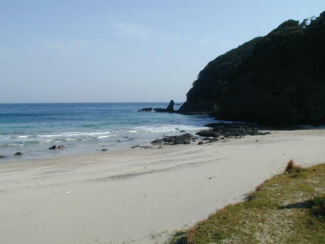 碁石が浜海岸へは徒歩で行けます。