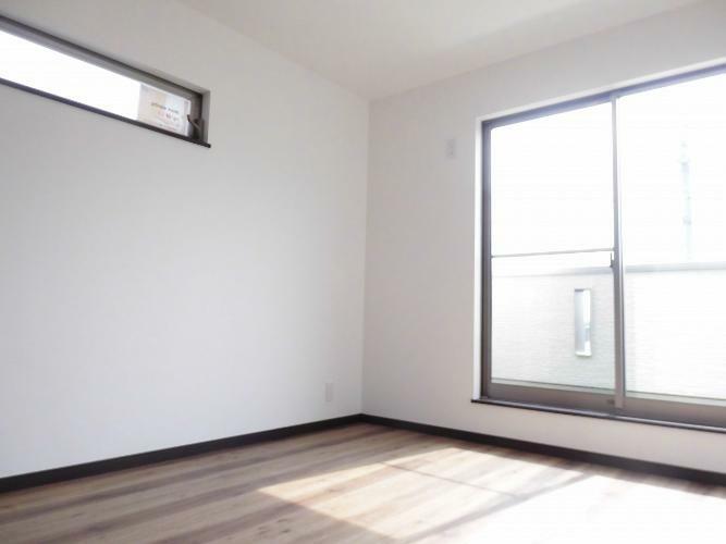 洋室 3階洋室は、たっぷり日差しが注ぎます