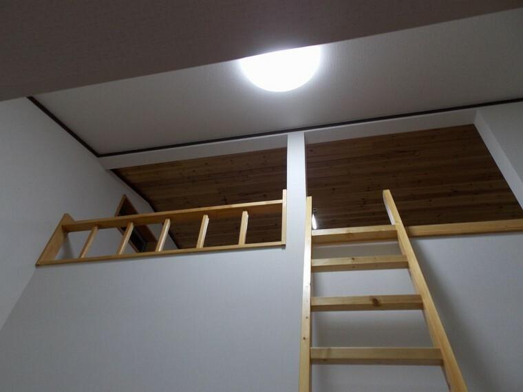 収納 2階のそれぞれのお部屋にロフトがあります。