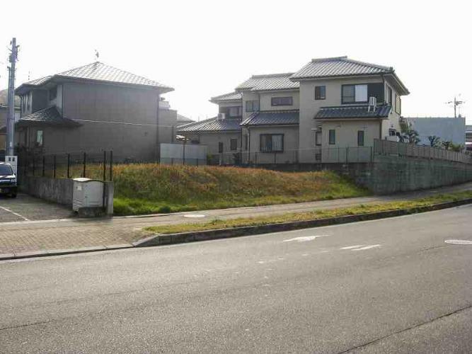 現況写真 大和西大寺駅と尼ヶ辻駅から徒歩圏の土地です。