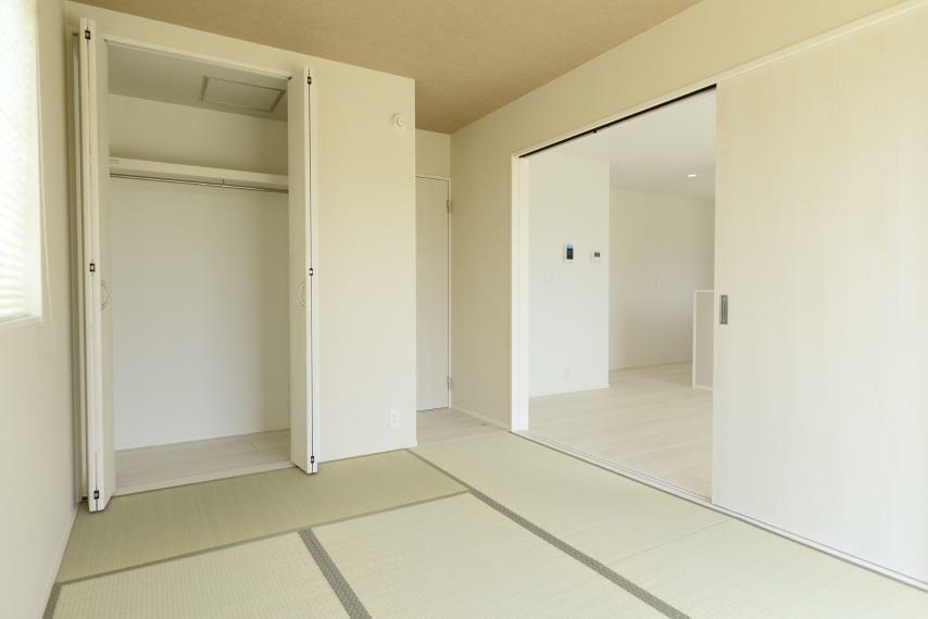 和室 同仕様例。小さいお子様のお昼寝や遊びのスペースに、また来客スペースとしてもおすすめです!