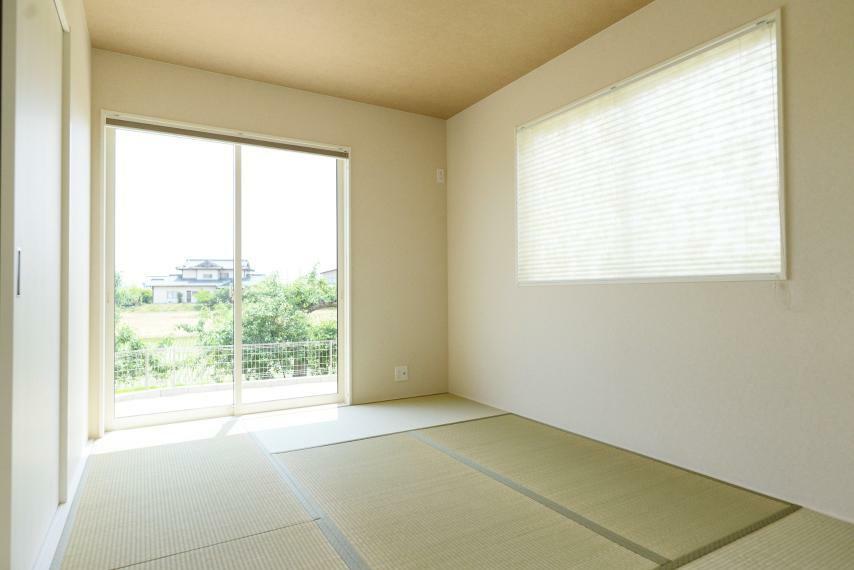 和室 同仕様例。日本人の心を落ち着かせてくれる和室で、ほっとするひとときを。