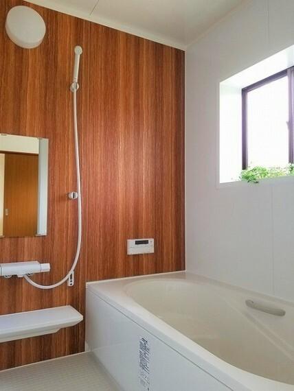 浴室 浴室・ゆったりバスで一日の疲れを癒せます
