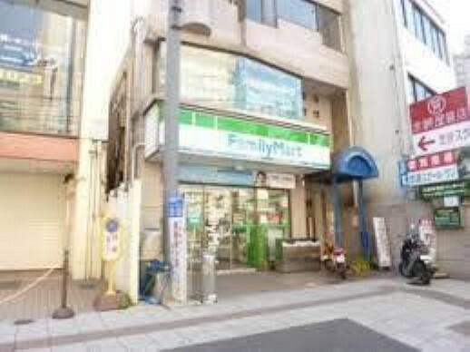 コンビニ ファミリーマート浜大津駅前店