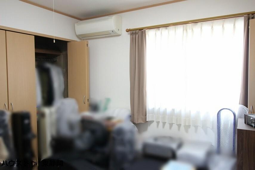 洋室 間取図左側4.5帖の居室。