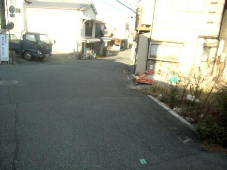 現況写真 前面道路南西側より見た前面道路含む現地