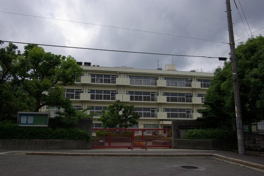 中学校 【中学校】宝塚市立中山五月台中学校まで1995m