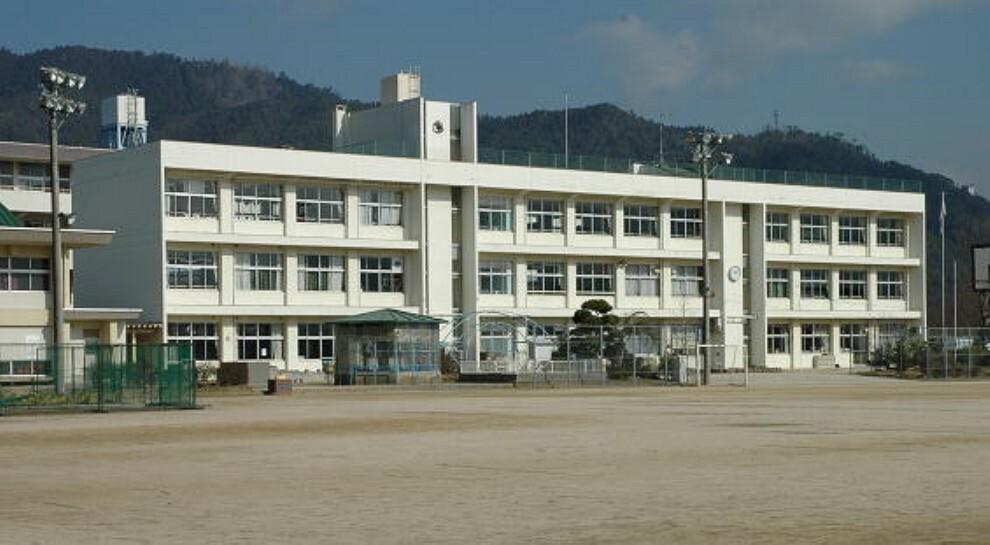 小学校 広島市立亀山小学校