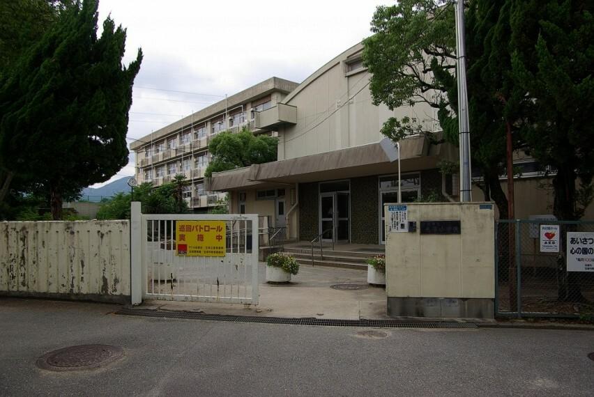 小学校 【小学校】宝塚市立売布小学校まで1019m
