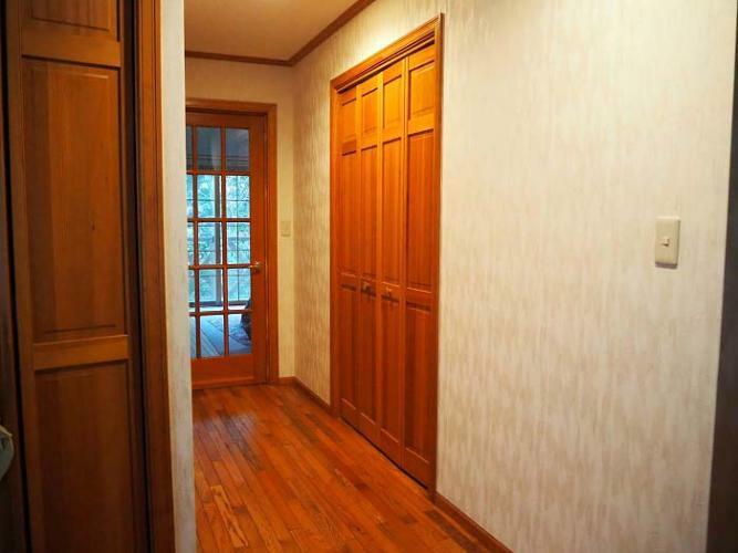 廊下。バリアフリーです