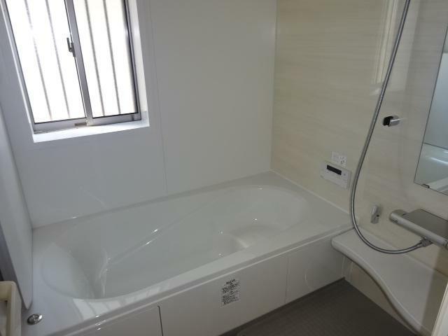浴室 暖房、乾燥機能付きの浴室(同仕様)