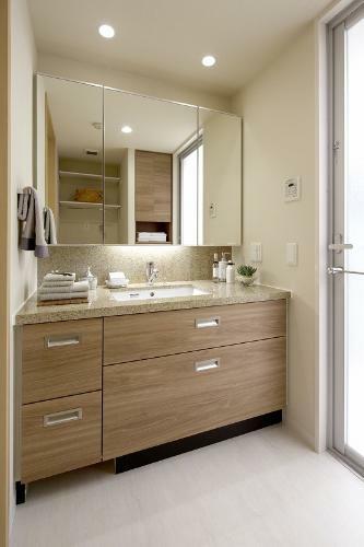 洗面化粧台 (新築時施工例写真の為、現況とは異なります)