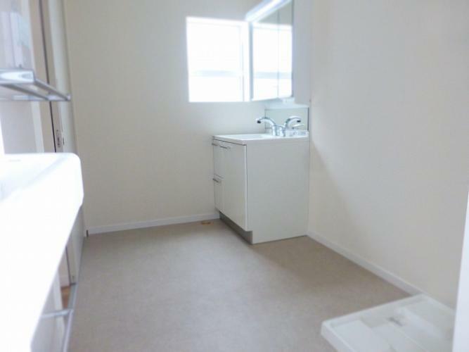 ランドリースペース 広めの洗面室になっています