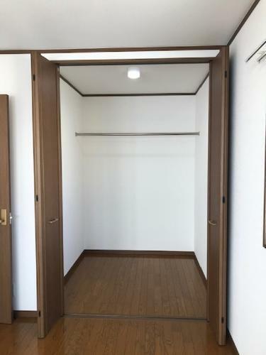 ウォークインクローゼット セブンイレブン尼崎浜3丁目店まで533m 徒歩7分