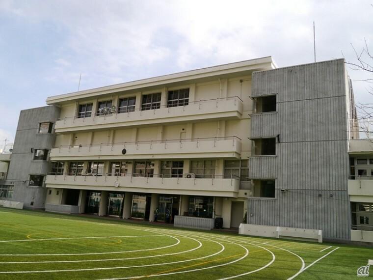 小学校 【小学校】港区立青山小学校まで778m