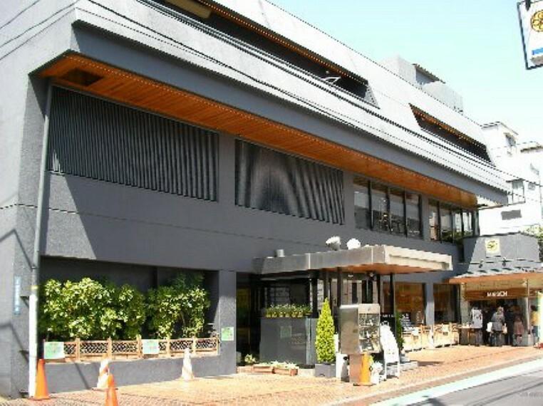 【和風料理】   とんかつまい泉 青山本店まで728m