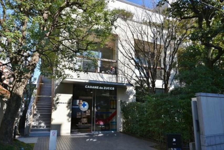 【喫茶店・カフェ】ブルーボトルコーヒー 青山カフェまで178m
