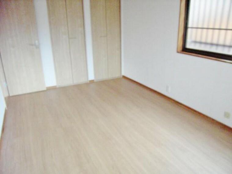 2階東側洋室