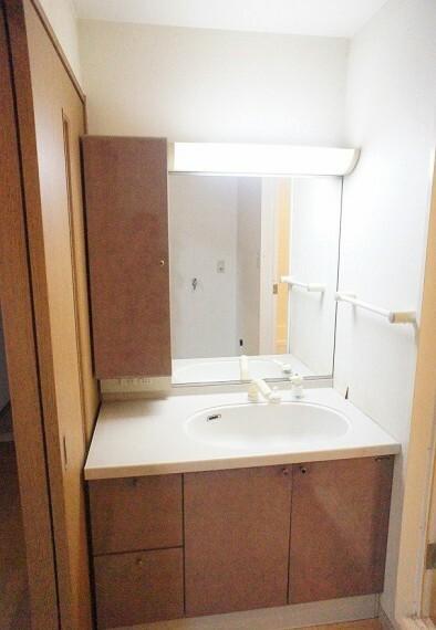 洗面化粧台 シャワーヘッド洗面台