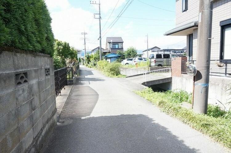 現況写真 前面道路含む現地
