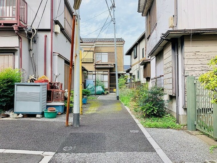 現況写真 ・前面通路(2019年6月撮影)