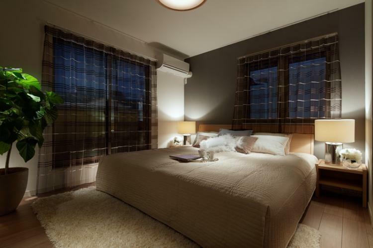 寝室 ※掲載の写真は、I街区90号棟(分譲済)を2016年10月に撮影したものに、一部CG加工を施しており、造作家具等オプション品(費用別途)が含まれています。家具・備品・調度品等は販売価格に含まれていません。