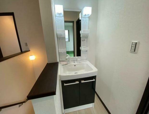2Fにも洗面化粧台があり便利です