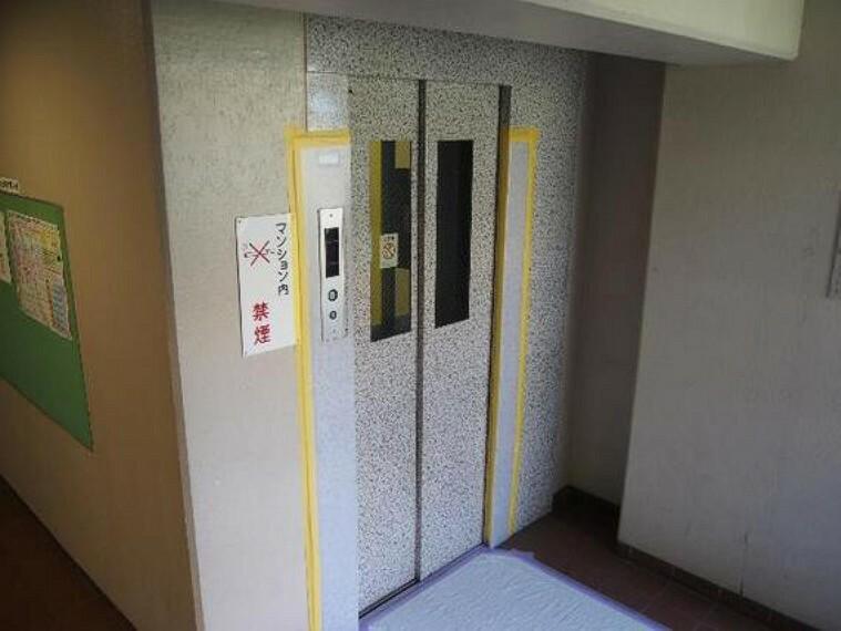 エレベーターがありますので重い荷物やベビーカーがあるときには助かりますね。