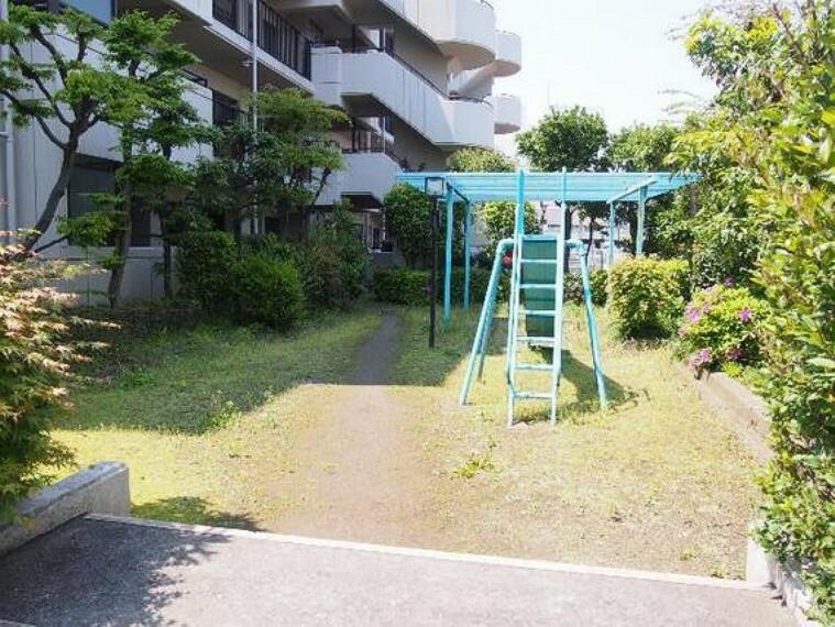 現況写真 マンション敷地内の公園です。
