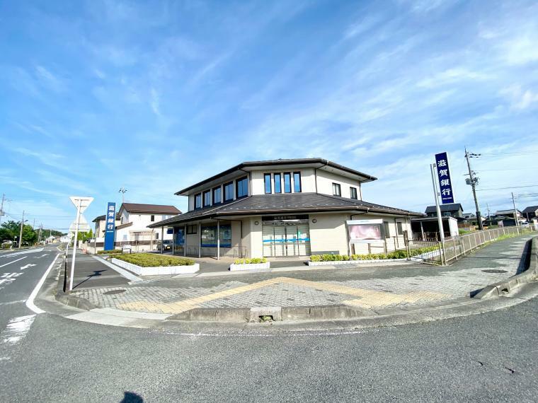 銀行 滋賀銀行甲南支店 車6分 ■9:00-15:00 ATMは8:00-21:00の間で利用可能