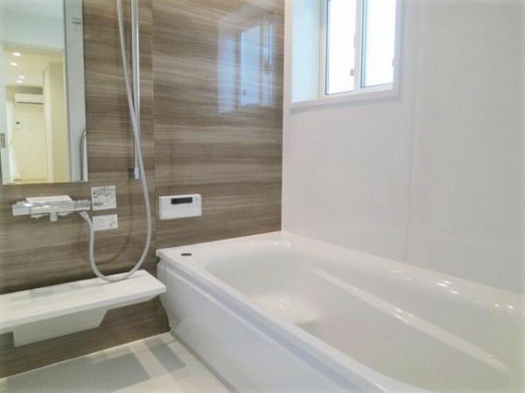 浴室 ゆったりサイズの浴室で1日の疲れを癒すことができますね