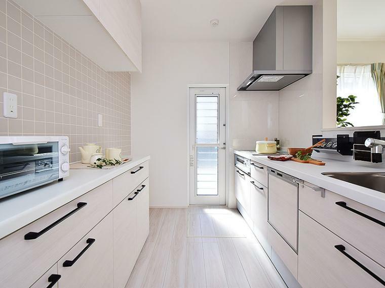 キッチン 【ZEH+リチウムイオン蓄電池付】2号地モデルハウス