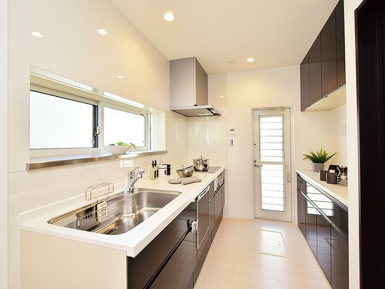 キッチン 【ZEH+IOT仕様付】I-2号地モデルハウス