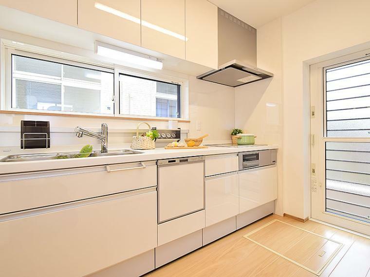 キッチン 【ZEH仕様+IOT仕様付】2号地モデルハウス キッチン