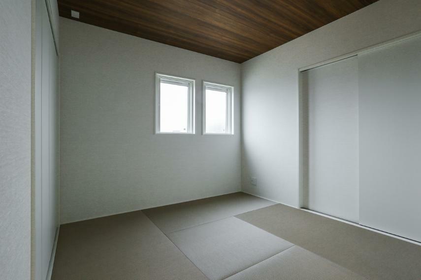 和室 ホールとリビングから出入りできる和室は、普段使いにも来客用にも便利です。(A-9号棟)