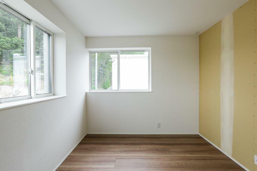 洋室 子ども部屋にぴったりの明るい洋室。お好きなクロスをお選び頂けます。(クロス未施工)(A-9号棟)