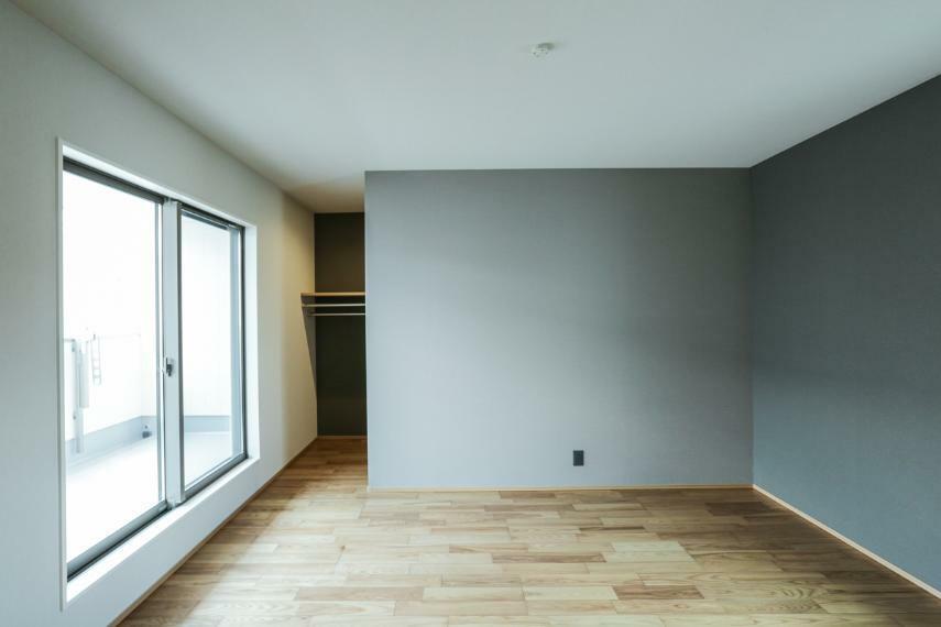 寝室 落ち着いた空間の主寝室。3帖のウォークインクローゼットを設けました。(B19-7号棟)