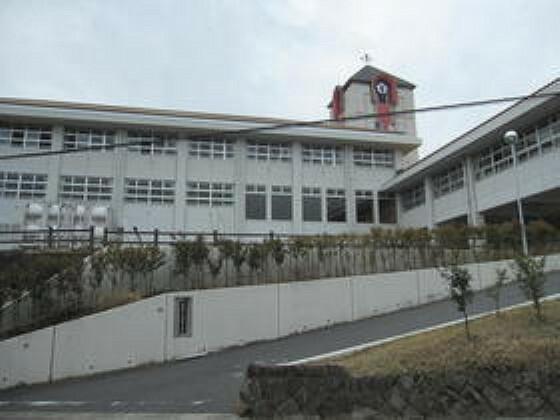 周辺の街並み 西陵中学校