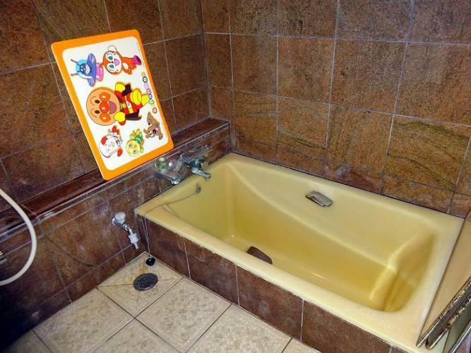 浴室 公営温泉、利用可能です(現在休止中)