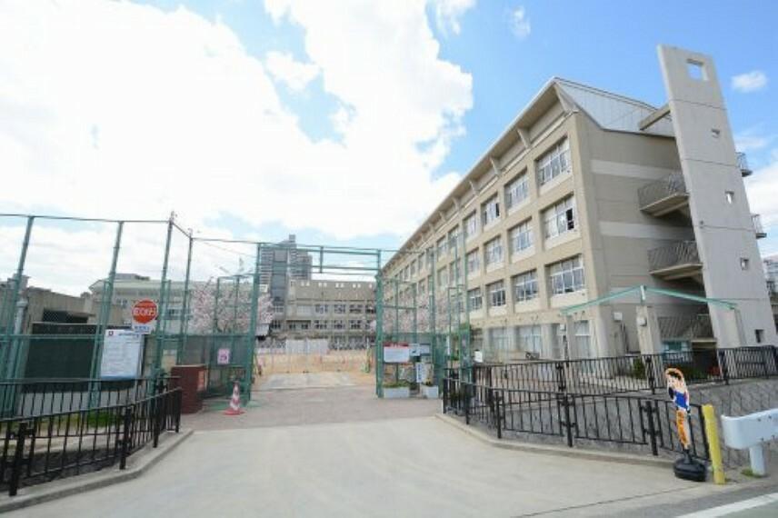 小学校 【小学校】神戸市立成徳小学校まで577m