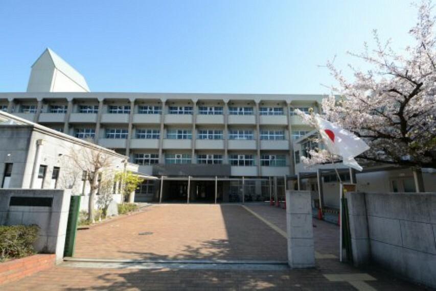 中学校 【中学校】神戸市立鷹匠中学校まで210m