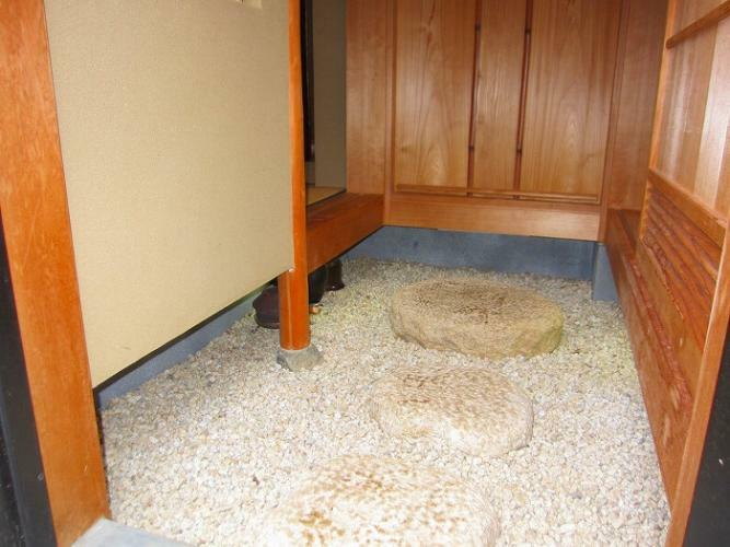 2階茶室と浴室への出入り口