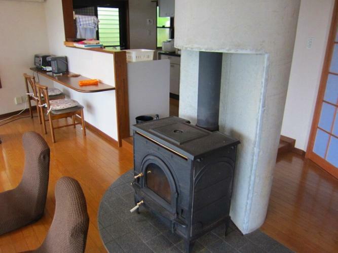 冷暖房・空調設備 冬も暖か、薪ストーブ有り